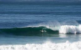 Praticando il surfing in Salsipuedes, Baja, Messico Fotografia Stock Libera da Diritti