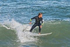 Praticando il surfing a Sebastian Inlet In Florida Immagine Stock Libera da Diritti