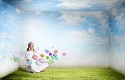 Praticar da ioga Imagens de Stock Royalty Free