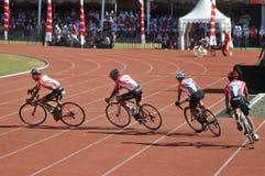 Praticar dos ciclistas Fotografia de Stock Royalty Free