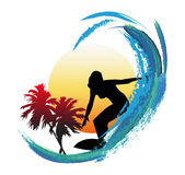Praticare il surfing Immagine Stock