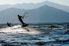 Praticare il surfing del cervo volante Immagini Stock Libere da Diritti