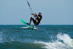 Praticare il surfing del cervo volante Immagine Stock Libera da Diritti