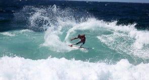Praticare il surfing di Newcastle Fotografia Stock Libera da Diritti