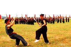 Praticiens d'arts martiaux par Images libres de droits