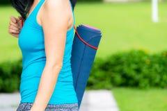 Pratique en matière extérieure de yoga Photo stock
