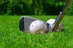 Pratiquez la bille de golf photographie stock