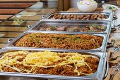 Prato asiático de abastecimento do alimento do bufete com carne Foto de Stock
