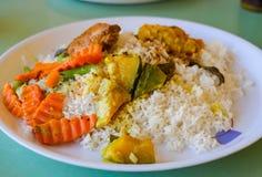 Prato cingalês do arroz e do caril imagens de stock