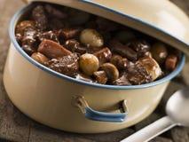 Prato da caçarola com carne Bourguignonne Imagem de Stock Royalty Free