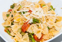 Prato da salada de massa Fotos de Stock Royalty Free