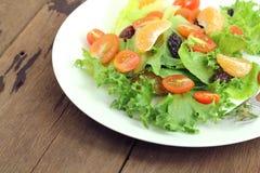Prato da salada fresca Fotos de Stock Royalty Free