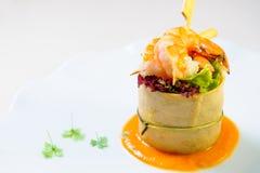 Prato delicioso com camarões imagem de stock