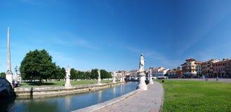 Prato della Valle, Padua, Italien Lizenzfreie Stockbilder