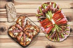 Prato do aperitivo com os Loafs de carne triturados grelhados Cevapcici e Imagem de Stock Royalty Free