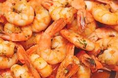 Prato do camarão com salsa e alho Imagens de Stock Royalty Free