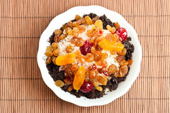 Prato doce com arroz e frutas cristalizadas Fotografia de Stock Royalty Free