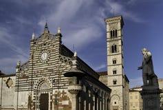 Prato domkyrka och klockatorn Royaltyfri Foto