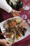 Prato dos crustáceos e do marisco fotos de stock