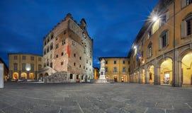 Prato, Italia Panorama del cuadrado de Piazza del Comune fotos de archivo