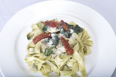 Prato italiano da massa com tomate Imagens de Stock Royalty Free