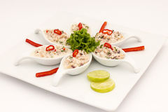 Prato peruano do marisco: Pichanga de Mariscos Estilo de Ceviche com creme branco Imagem de Stock