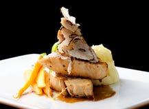 Prato principal de jantar fino, peito de frango grelhado Fotos de Stock Royalty Free