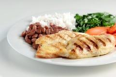Prato típico de Brasil, de arroz e de feijões imagem de stock