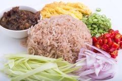 Prato tailandês, kapi de Kao Kluk, arroz fritado marrom/roxo Fotografia de Stock Royalty Free
