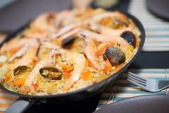 Prato tradicional do arroz espanhol com marisco - paella fotografia de stock royalty free