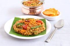Prato tradicional indiano sul do arroz do vegetariano, banho de Bisi Bele Fotos de Stock Royalty Free