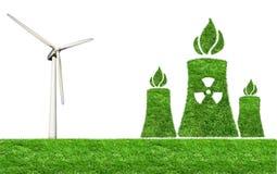 Prato verde con elettricità dei generatori eolici Immagine Stock Libera da Diritti
