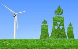 Prato verde con elettricità dei generatori eolici Fotografia Stock