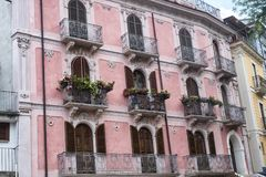 Pratola Peligna Abruzzi, Italië: historisch paleis Stock Fotografie