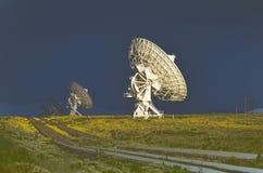Pratos alterados Digital do telescópio de rádio no obervatório nacional da astronomia de rádio em Socorro, nanômetro fotografia de stock royalty free