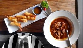 Pratos asiáticos do alimento fotografia de stock