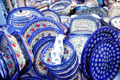 Pratos azuis da cerâmica fotografia de stock royalty free