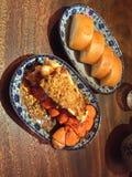 Pratos da lagosta e do Bao no restaurante da Sra. Pound imagem de stock