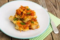 Pratos de peixes gregos e receita Fotos de Stock