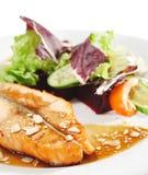 Pratos de peixes quentes - bife Salmon Fotografia de Stock Royalty Free