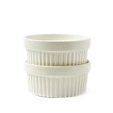 Pratos do ramekin do souffle da porcelana isolados Fotografia de Stock Royalty Free
