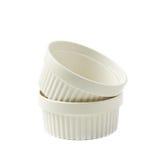 Pratos do ramekin do souffle da porcelana isolados Imagem de Stock