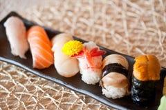 Pratos japoneses - jogo do sushi Fotografia de Stock