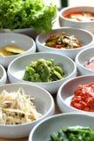 Pratos laterais coreanos do BBQ de Kimchi Foto de Stock