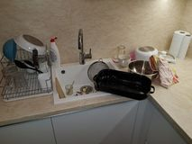 Pratos na cozinha imagem de stock