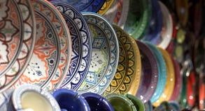 Pratos nos mercados coloridos do leste fotografia de stock royalty free