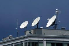 Pratos satélites Imagens de Stock Royalty Free