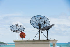 Pratos satélites Fotografia de Stock