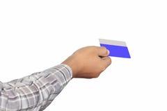Prawa ręka mienia kredytowa karta Obrazy Royalty Free