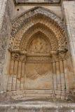 Prawej strony fasada Aulnay De Saintonge kościół Fotografia Stock